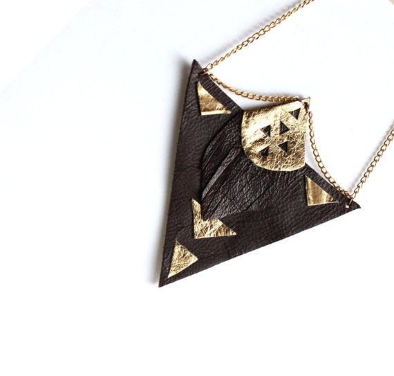 Arrow statement necklace - Brown and gold leather