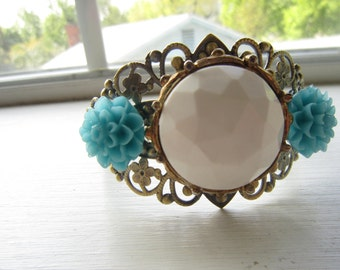 Vintage white and turquoise flower cabochon cuff bracelet