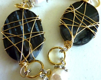 Wire Wrapped Black Onyx Agate and Freshwater Pearls Necklace