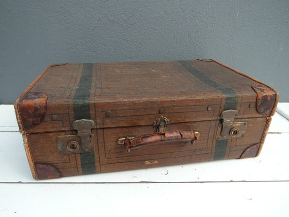 Wonderful aged vintage suitcase from Mädler.