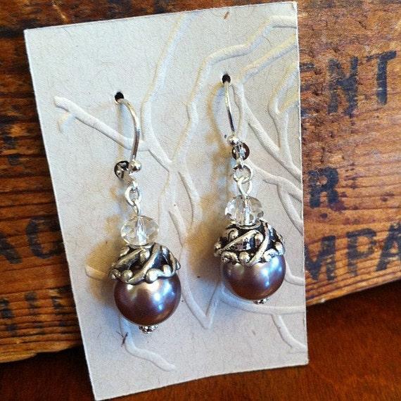"Silver/Gray vintage inspired 1"" earrings"
