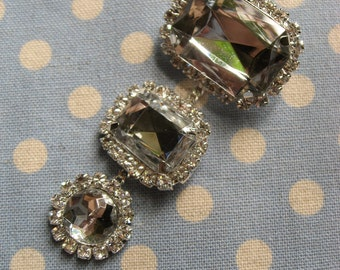 Dangly three sparkles Swarovski rhinestone crystals wedding bridal brooch pin, chandelier brooch, rhinestones brooch, vintage broch