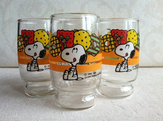 Collectible Snoopy 6 oz Drinking Glasses -Set of 4-