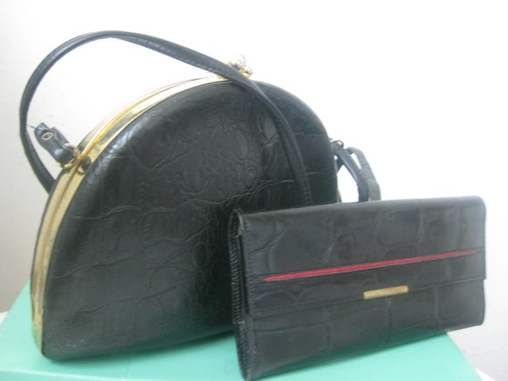 Reserved for Delia GIFT LEATHER WALLET when you buy Vintage Black Leather Purse Bag