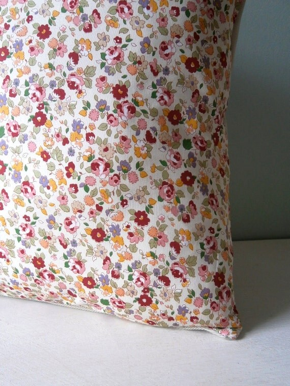 Floral Vintage look Cushion / Pillow cover