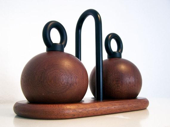 Vintage // Danish Design // Salt and Pepper mill // Bodum // R. Nissen // Teak // Scandinavian // Mid century
