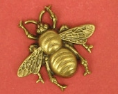 1 Large Bumblebee Stamping in Antique Brass - 42x38mm