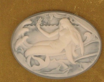 Unset Resin Cameo - Beautiful Mermaid - Ivory on Pale Blue 40x30mm