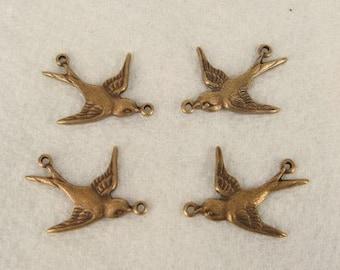 6 Sweet Little Antique Brass Connectors, 19.5x16.5mm