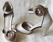 Beige Chiffon Roses Shoe Clips
