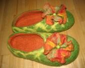 Felted ladies flower brooch slippers, wool, emerald green orange yellow purple black red pink, custom order. St. Patrick's Easter gift