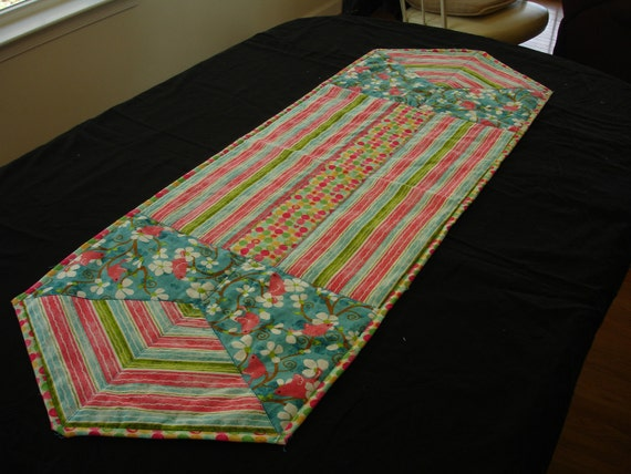 similar etsy table to Etsy on runner Table Items Birds Summer Runner Quilted