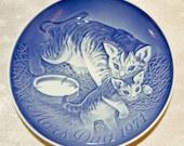 Vintage Royal Copenhagen Cat with Kitten 1971 Mors Dag Mothers Day Plate