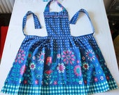 Vintage 1960s Blue Floral Apron (Shabby, Country Chic Design)
