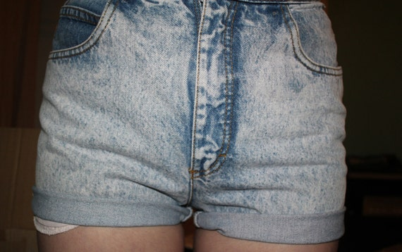 High Waisted Denim Shorts by Gloria Vanderbilt - Medium