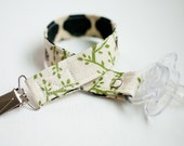 Honeycomb Forest Pacifier Clip