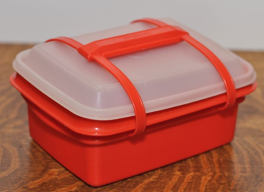 retro orange tupperware lunch box with lid and handle. Black Bedroom Furniture Sets. Home Design Ideas