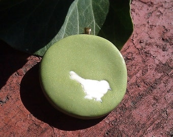 Fall woodland critters Bird - polymer clay pendant with ivory coloured bird detail inlay on green with gold bail