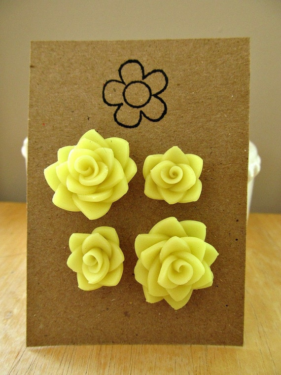 SALE--dahlia stud set in translucent yellow--now 3.00