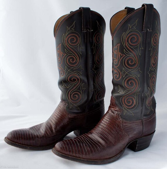 Exotic chocolate two-tone Justin boots, US men's size 7D, US women's 8.5-9. Nearly new, with two-tone yellow & orange decorative stitching.