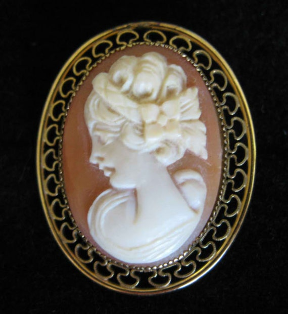 Vintage12K GF Shell Carved Cameo Pin Beautiful