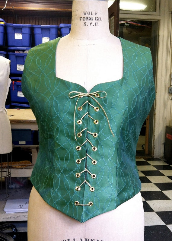 Green Princess Cut Lace up Renaissance Bodice in Larger Size