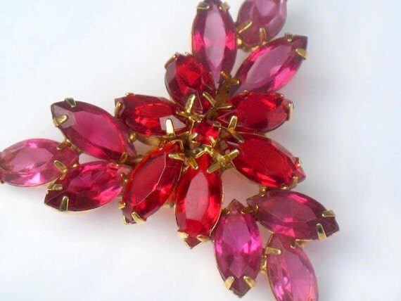 Juliana D and E Red Pink Faceted Rhinestone Brooch Pin Flower Gold Tone