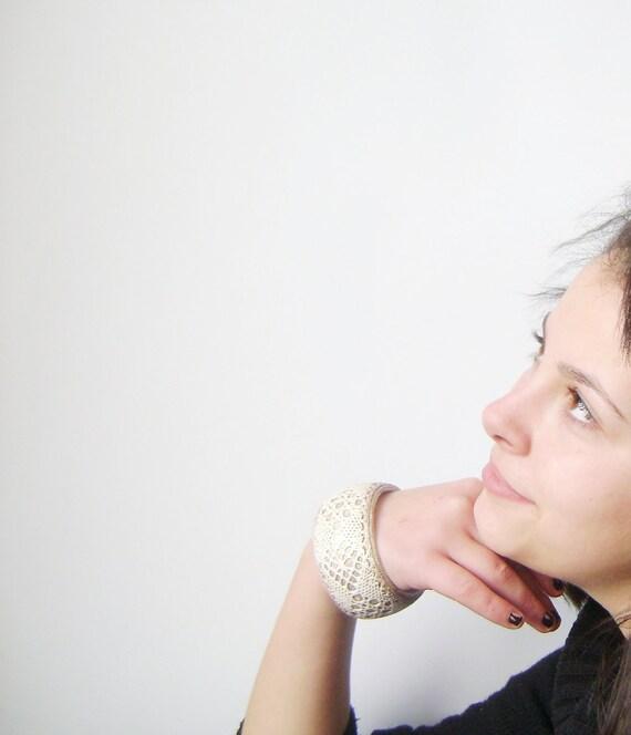 Rustic Lace Wooden Bracelet