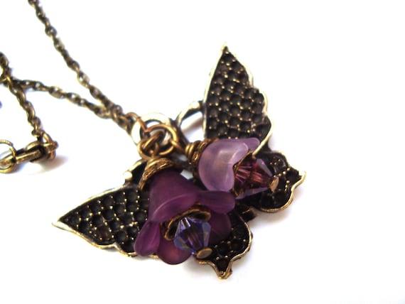 Lucite Flower Necklace. Purple Violet Flower Necklace. Butterfy Necklace. Purple Jewelry. Flower Jewelry& Antique Brass