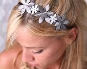 Romantic headband, Gray headband, Women hair accessory, Women's headbands, Flower headband, Flower crown, Gray and white,White gray headband