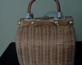 Vintage woven wicker lucite purse