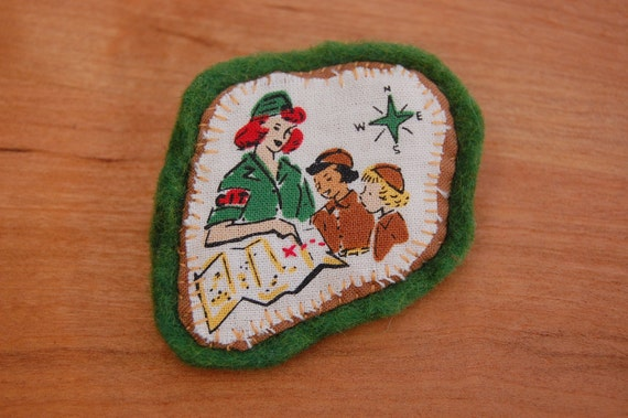Navigation Girl Scout Brooch/Pin/Badge/Patch - Applique Embroidered Wool Felt - 1940s Vintage Style - Autumn Fall Green Map Compass