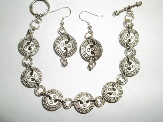 Vintage Button Bracelet and Earring Set