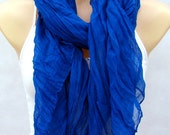 The fashion leisure cotton scarf, natural fold blue scarf, shawl, soft and comfortable multifunctional female accessory