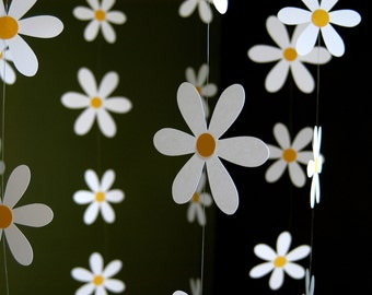 Daisy Flower Mobile - Paper Daisy Mobile for Nursery, Baby or Kids Decor - Shower Gift - Decoration