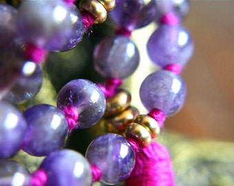 Banded Amethyst Japa Mala 108 Mala Beads Meditation Jewelry Yoga Beads Mantra Meditation Mala Tassel Necklace Knotted Gemstone Prayer Beads
