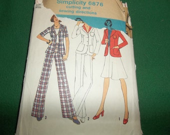 Simplicity 1970s unlilned jacket, pants and skirt.