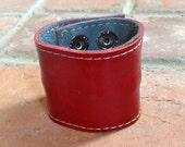 "large wide adjustable 8.5"" x  2"" leather  rockstar cuff w/ secret zipper pocket - red"