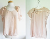 70s Satin Blouse / Romantic pale pink colour / Butterfly sleeves / Size M
