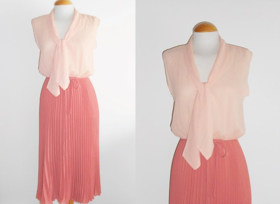 Vintage Bi-colour Pleated Dress from the 70s / Spring Summer Vintage Fashion / Size S