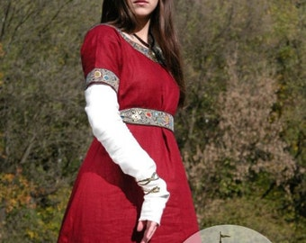 20% DISCOUNT! Medieval Franks Red Dress and Underdress (Chemise) Garb with Belt