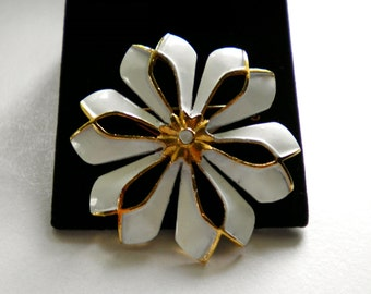 CORO  Vintage Big Floral Brooch Pin  with white and gold enamel