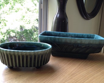 Vintage Pair of Hull USA Planters