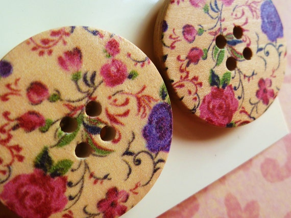 Floral-button earrings, large - studs, 30mm wide, vintage style - wood.
