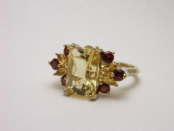 Citrine and Garnett Antique ring Lovely Old School Style 10k yellow gold Size 8