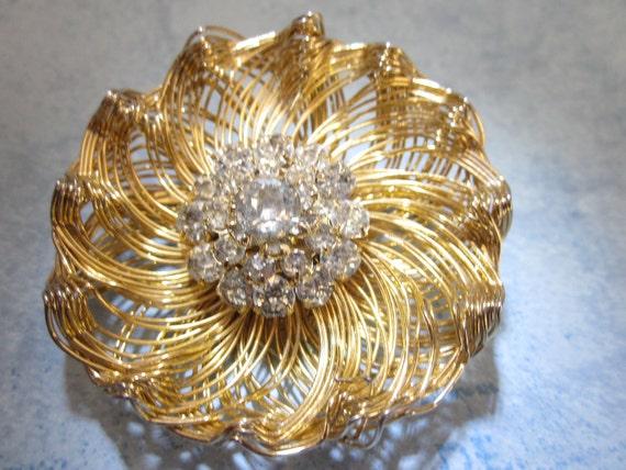Vintage ESTATE SALE Weiss Rhinestone Wire Brooch in Gold Tone