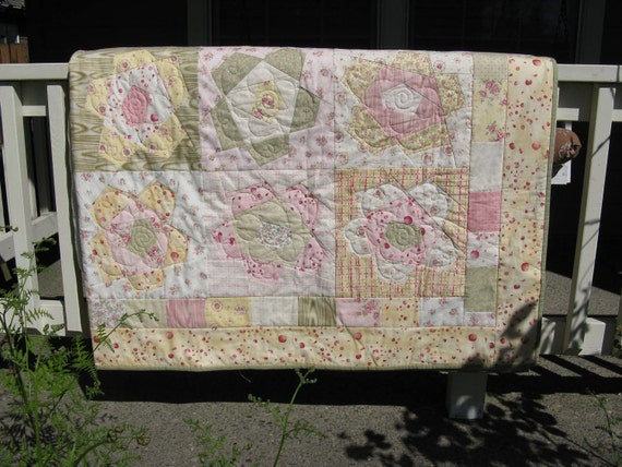 Buggy Barn Twin Size Flower Quilt