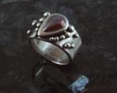 Garnet fine silver ring, sz 6.5