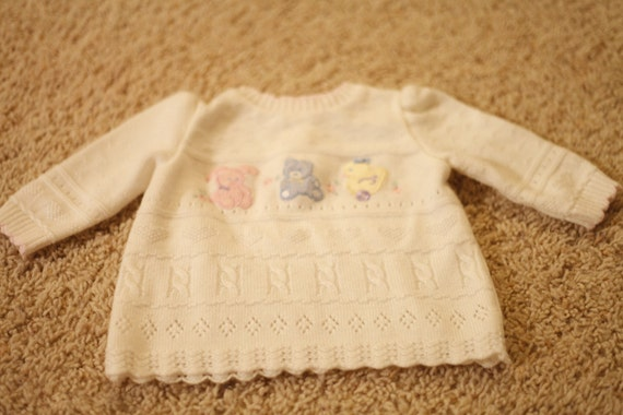 VIntage BT Kids White Ivory Sweater w/ Bunny, Bear & Duck- 6-9 months - Gorgeous detailing