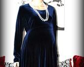 Blue Velvet Maternity Dress.... Film Noir Style
